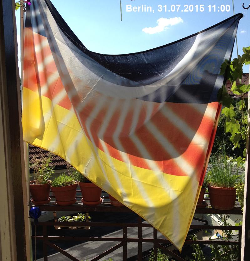 Flagge auf dem Penthouse Lennéstr.