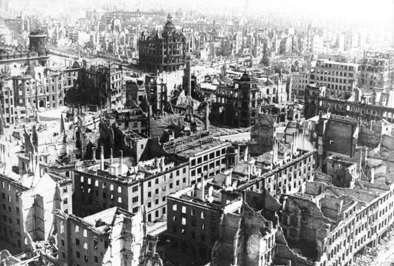WK 2: Dresden zerbomt Quelle Bundesarchiv